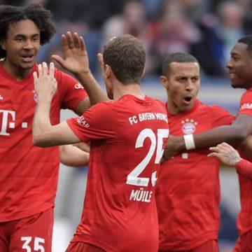 """Bayern sięga po upragnione trzy punkty. Dublet """"Lewego"""""""