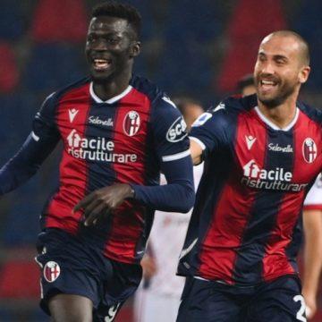 Bologna wygrywa w polskim pojedynku. W lidze włoskiej nie brakuje emocji
