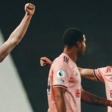 Sheffield z drugim zwycięstwem w lidze! Pokonują lidera na Old Trafford