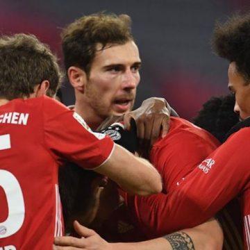 Bayern z wielkim powrotem. Dublet Lewandowskiego