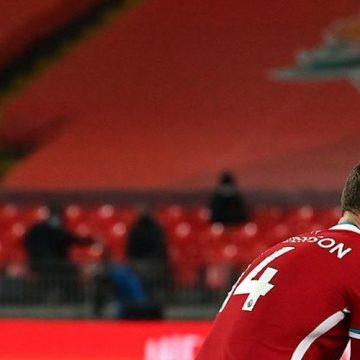 Liverpool przegrywa w derbach Merseyside. Mistrzostwo w sferze marzeń?